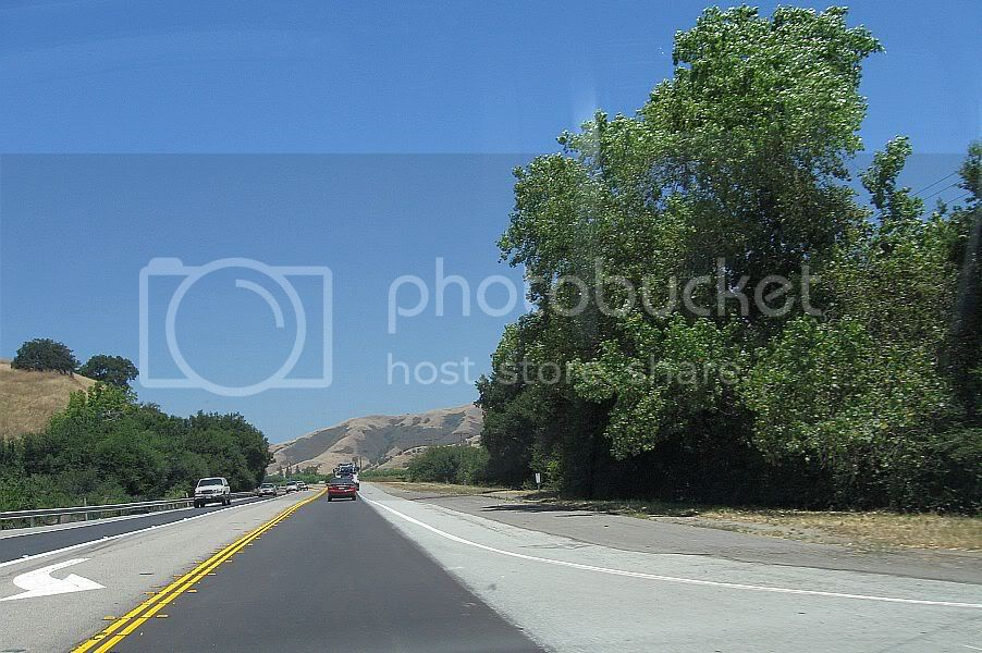 http://i445.photobucket.com/albums/qq178/OnTheRoadWithChinook/File%2055%20PacGrove%20-%20CasaDFruta/CA17B05.jpg